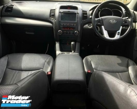 2014 KIA SORENTO  2.4 ( A ) PETROL AWD !! NEW FACELIFT !! PREMIUM FULL HIGH SPECS COMES WITH KEYLESS ENTRY, PANAROMIC ROOF, SUNROOF, MOONROOF AND ETC !! 7 SEATERS PREMIUM SUV !! ( WXX 4834 ) 1 CAREFUL OWNER !!