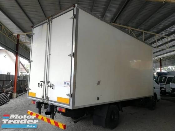 2014 Mitsubishi Fuso  FE83PG 17 ft Box