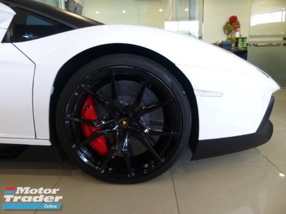 2013 LAMBORGHINI AVENTADOR 6.5 LP700-4* Price NEGOTIABLE, Low Mileage, See To Believe* Ferrari Maserati Lamborghini