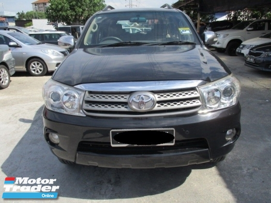 2010 TOYOTA FORTUNER 2.7V auto petrol suv 7 seater