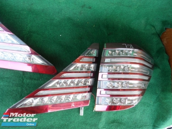 toyota alphard tail lamp with reflector set