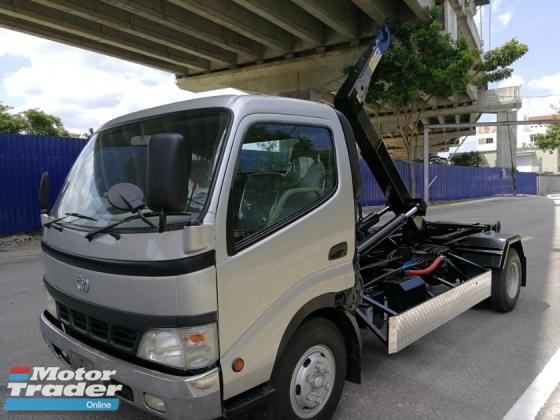 2019 Hino Xzu410 Arm Roll/Roll On Roll off