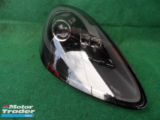 PORSCHE CAYENNE HEAD LAMP 982.941