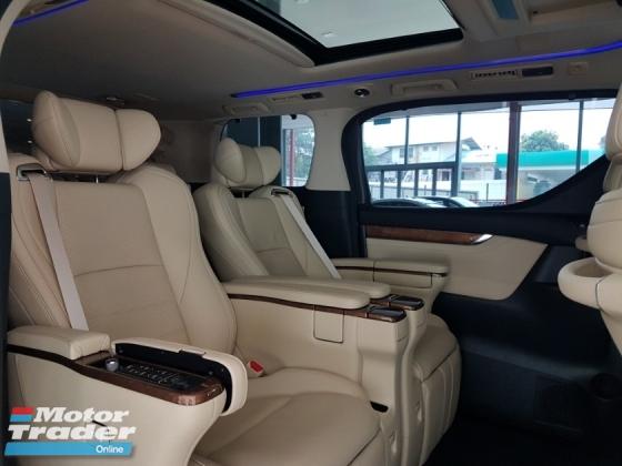 2017 TOYOTA ALPHARD 3.5 Executive Lounge