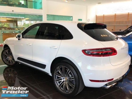 2015 PORSCHE MACAN 2.0 (JAPAN SPECS) - GUARANTEE ORIGINAL MILLEAGE - FULL BODY KIT - REVERSE CAMERA - SIDE CAMERA - POWER BOOT - 21\