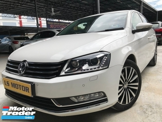 2016 VOLKSWAGEN PASSAT 1.8T SPORTY PLUS FACELIFY MODEL  - MILEAGE 47K KM DONE ONLY - 4 NEW MICHELLIN TYRE - NAPPA LEATHER - PADDLE SHIFT - MEMORY SEAT - LIKE NEW - VIEW TO BELIEVE -
