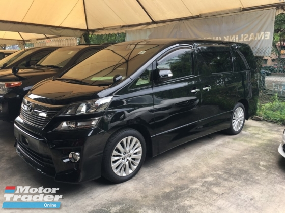 2014 TOYOTA VELLFIRE 2.4 Z Edition 7 Seat 2 Power Door Body Kit Xenon Light Smart Entry Front Reverse Camera 3 Zone Climate Control Auto Cruise Control 9 Air Bag Unreg