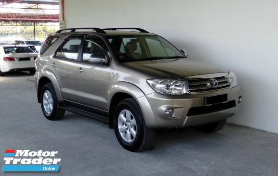 2011 TOYOTA FORTUNER 2.7V Auto Facelift 4WD Full Leather Model