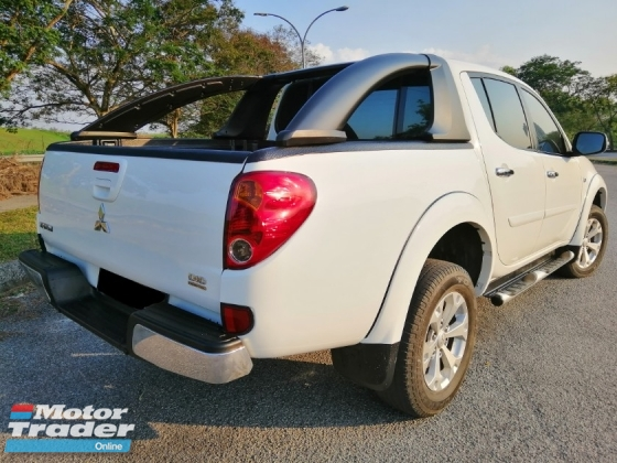 2015 MITSUBISHI TRITON 2.5 AT  VGT (A)SUNROOF 4X4 KING