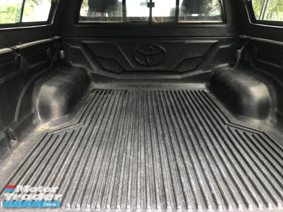 2014 TOYOTA HILUX 2.5 G VNT (A) FACELIFT FREE CANOPY LOW MILAGE LIKE NEW