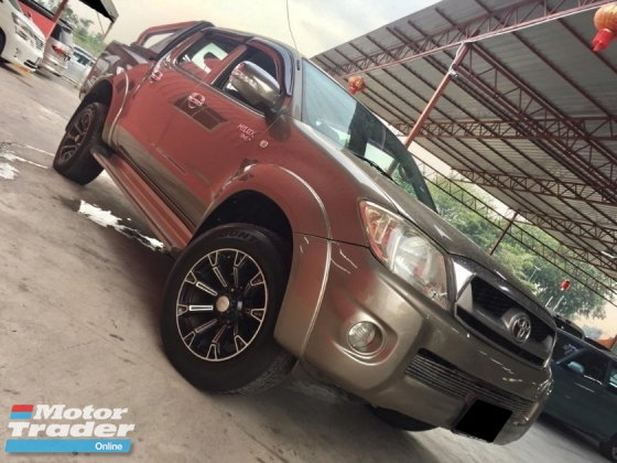 2010 TOYOTA HILUX DOUBLE CAB 2.5G (AT) 4X4 TIP  TOP CONDITION
