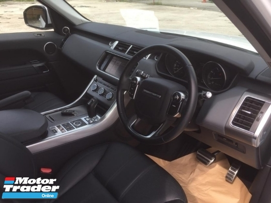 2014 LAND ROVER RANGE ROVER SPORT Range Rover 3.0 Sport (RecoN) Panormic roof Airmatic MERIDIAN SOUND