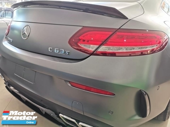 2016 MERCEDES-BENZ C63 S 4.0L V8 Twin-Turbo AMG Edition 1