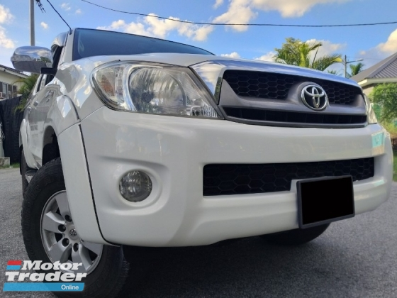 2011 TOYOTA HILUX DOUBLE CAB 2.5G (AT) 4X4 1 CAREFULL OWNER/ LOW MILEAGE/ F-LOAN