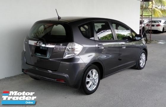 2014 HONDA JAZZ 1.3 (A) Hybrid Low Mileage Serviced By Honda Malaysia