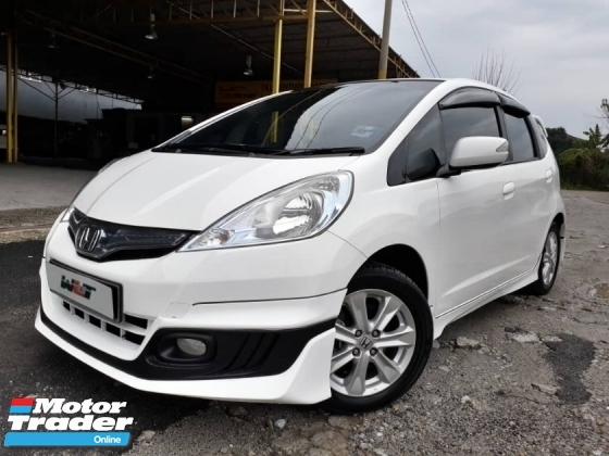 2014 HONDA JAZZ 1.4 (A) HYBRID FULL BODYKIT GOOD CONDITION ACC FREE PROMOTION PRICE.
