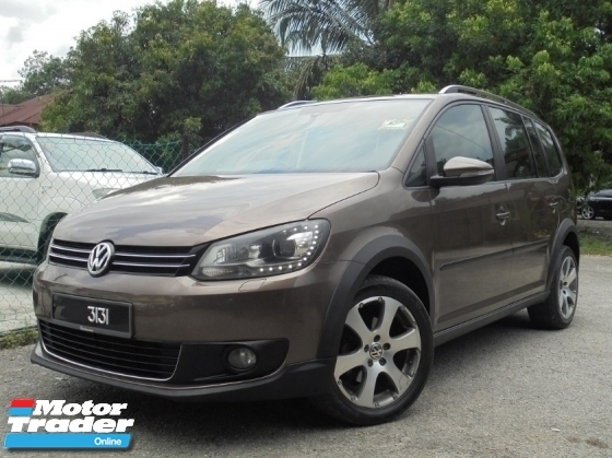 2011 VOLKSWAGEN TOURAN .4 TSI 7-Speed DSG Panoramic TipTOP LikeNEW