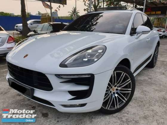 2017 PORSCHE MACAN PORSCHE MACAN 2.0 LOCAL SPORT CHRONO SPORT DESIGNS MODEL WARRANTY TILL 2021