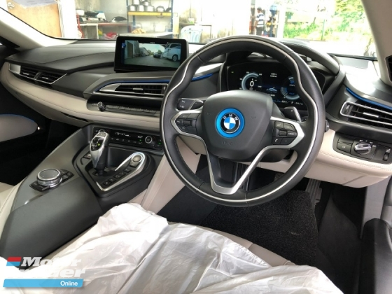 2015 BMW I8 1.5 e-Drive L3 Turbocharged + Hybrid Synchronous Motor 360 Surround Camera Head Up Display Adaptive Intelligent LED Multi Function Paddle Shift Steering Drive Selection Pre Collision Safety Unreg