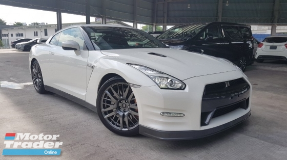 2015 NISSAN GT-R 2015 Nissan GTR 35 Premium Edition Bose Sound System Red Leather 20 Rim Unregister for sale