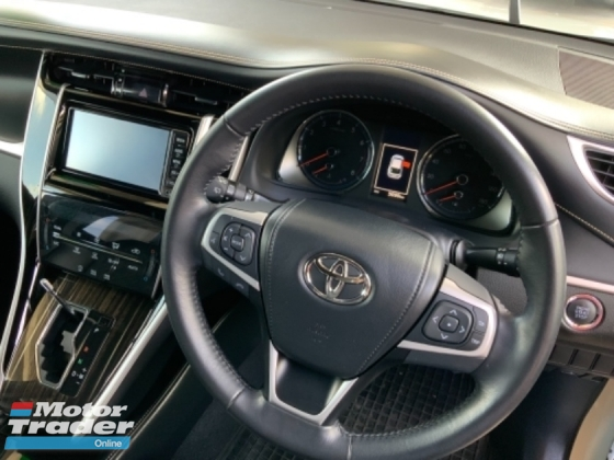 2017 TOYOTA HARRIER 2.0 4 camera panoramic roof power boot Japan unregistered