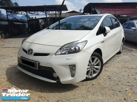 2013 TOYOTA PRIUS G SELECTION NAVI PACKAGE