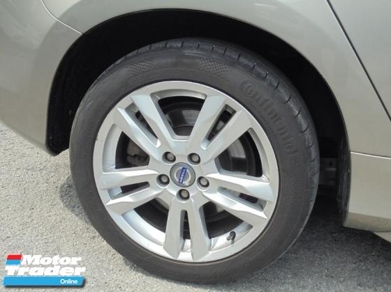 2013 VOLVO V60 2.0 T5 Wagon Keyless PushStart BLIS LikeNEW Reg.2014