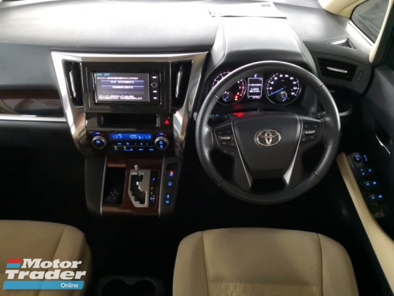 2015 TOYOTA VELLFIRE 2.5 X 8 SEATER DUAL POWER DOORS 360 CAM POWER BOOT UNREG