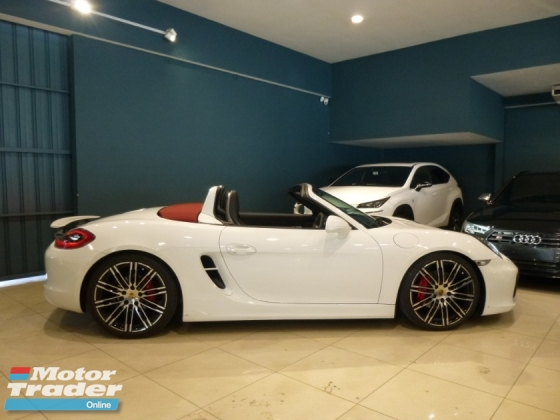 2015 PORSCHE BOXSTER S 3.4 FULL OPTION SPEC. IMMACULATE CONDITION. JUST BUY AND USE. NO REPAIR NEEDED. CARRERA CAYMAN