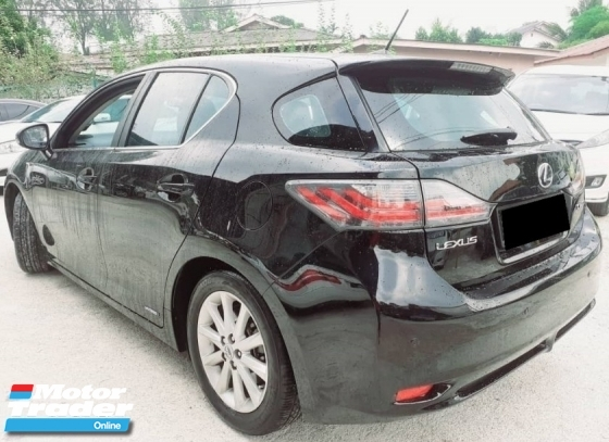 2012 LEXUS CT200H HYBRID - SUPERB CONDITION WITH WELL MAINTAINED PERFORMANCE.