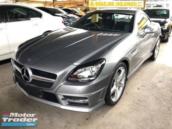 2015 MERCEDES-BENZ SLK SLK200 AMG Edition Turbocharged 7G-Tronic Panoramic Roof Multi Function Paddle Shift Steering Bucket Seat Dual Zone Climate Control Auto Cruise Control Bluetooth® Connectivity Unregt