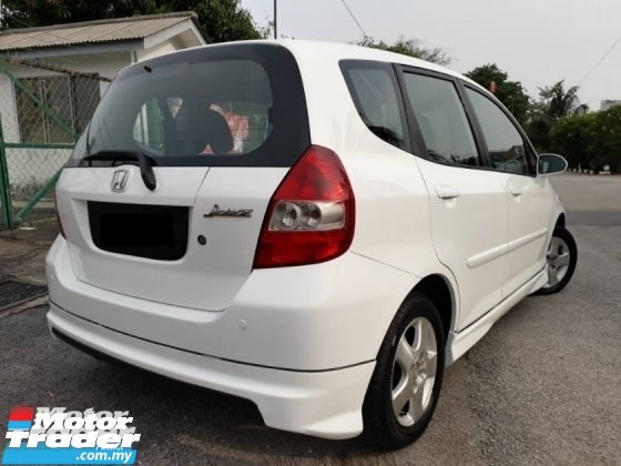 2004 HONDA JAZZ 1.5 (A) IDSI FULL BODYKIT CAREFUL OWNER GOOD CONDITION ACC FREE PROMOTION PRICE.