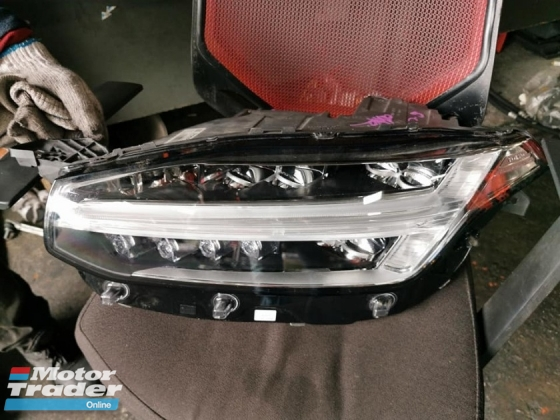 VOLVO XC90 HYBRID HEAD LAMP SET