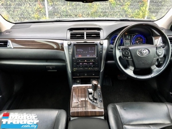 2016 TOYOTA CAMRY HYBRID 2.5 LEATHER PACKAGE (2 YEAR WARRANTY)(LOW MILEAGE)(ONE OWNER)(UNDER WARRANTY)