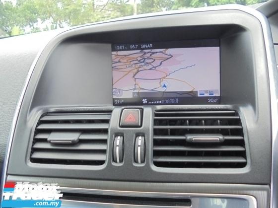2014 VOLVO XC60 2.0 T5 Facelift NAVIGATION POWERBOOT BLIS (FSR60kM)