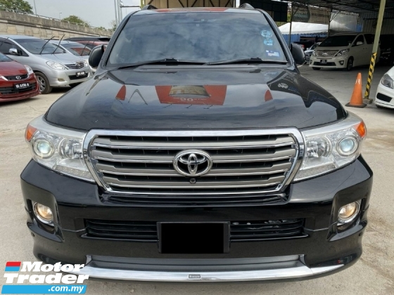 2013 TOYOTA LAND CRUISER ZX FULL SPEC LEATHER SEAT = MEMORY SEAT = TIP TOP CONDITION = WARRANTY = 4.6 V8 ENGINE