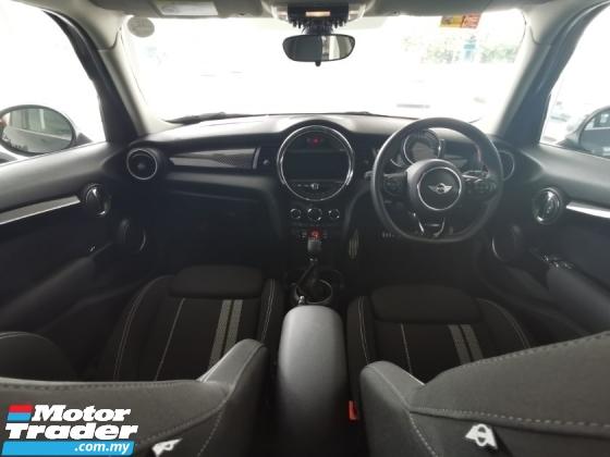 2015 MINI Cooper S 5 Door 2.0L