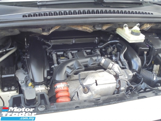 2011 PEUGEOT 5008 1.6 Turbo Panoramic TipTOP LikeNEW