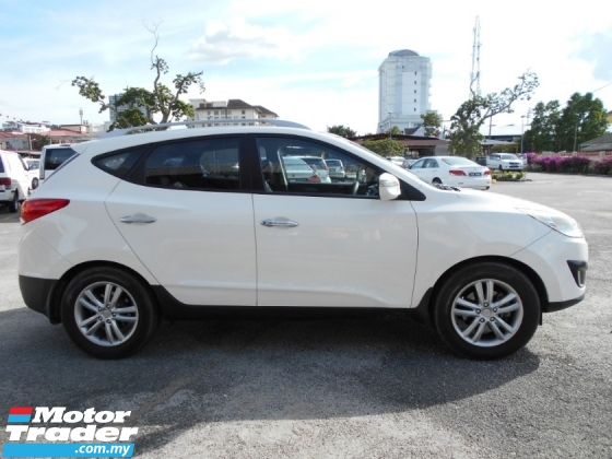 2011 HYUNDAI TUCSON 2.4 (A) 4WD GLS GOOD CONDITION LOW MLEAGE LIKE NEW ACCIDENT FREE AND 1 CAREFUL OWNER