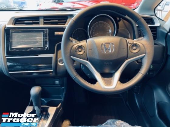 2020 HONDA JAZZ S E V Hybird Honda Jazz i vtec 1.5cc VSA Eco Button 6 Air Bas Cruise Control Push start button Smart Key Entrance