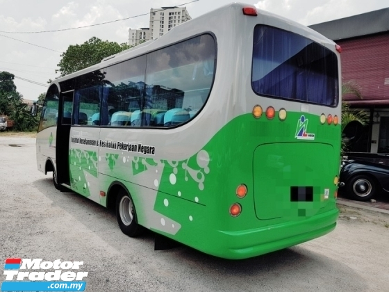 2006 Bus nissan nu41 25 seaters