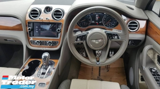 2018 BENTLEY BENTAYGA 4.0 V8 Twin-Turbo 550hp 4.4s 0-100Km/h Panoramic Roof 360 Camera Vacuum Doors Dynamic All Terrain Drive Mode Breitling Analogue Suspension Lift Damping Control Full-LED Hi Beam Memory Ventilation Seat Power Boot Unreg