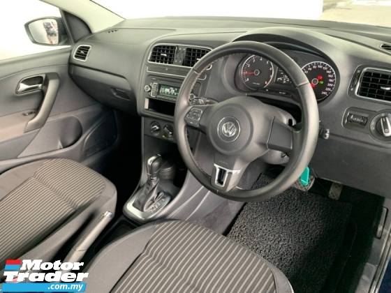 2012 VOLKSWAGEN POLO 4 DOOR