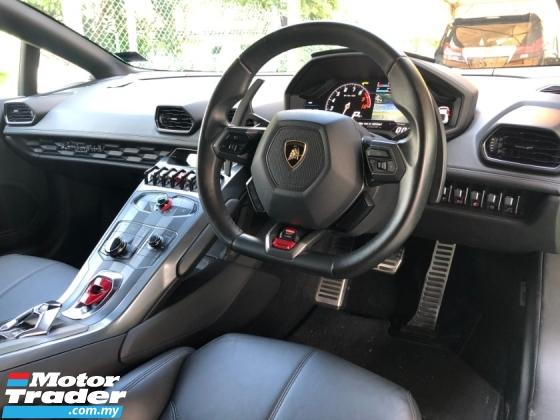 2015 LAMBORGHINI HURACAN LP610-4 Lifting System 5.2 V10 610hp Lamborghini Doppia Frizione (LDF) MPI IDS STRADA/SPORT/CORSA Mode Selection Carbon Ceramic Brake Intelligent Full-LED System Bucket Seat Multi Function Paddle Shift Lamborghini Dynamic Steering (LDS) Unreg