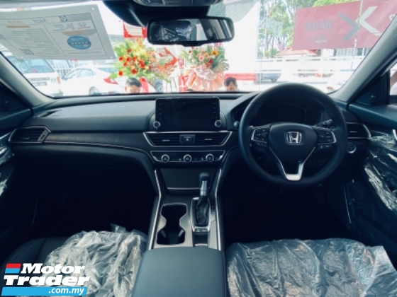 2020 HONDA ACCORD 2020 HONDA ACCORD 1.5 TC Accord 1.5 TC-P SPECIAL OFFER 201Ps 260Nm 7Speed Continuous Variable Gear Ratio Wireless Charger Unforgettable Performance Full LED Lights Honda Sengsing Multi-View Camera System Smart Parking Assist Electric Parking Brake Auto Br
