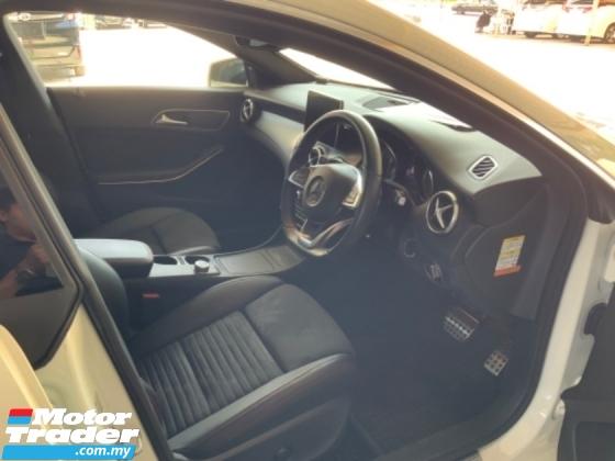 2016 MERCEDES-BENZ CLA 180 AMG sport package W117 back camera precrash keyless 1 memory seats unregistered