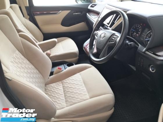 2016 TOYOTA ALPHARD 2.5 X 8 Seats 360 Cam Alpine Power Door Vacum Door Power Boot SALES TAX DISCOUNT