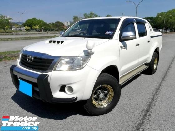 2012 TOYOTA HILUX 3.0 G CANOPY 4X4 AUTO REVERSE CAMERA