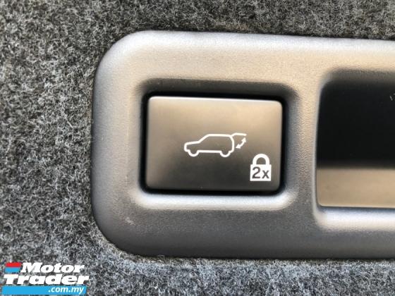 2017 LEXUS RX RX200t F Sport 2.0 Turbo Original 360 Surround Camera Pre-Crash Head Up Display HUD Intelligent Running Full-3LED Lights Lane Departure Assist Multi Function Paddle Shift Steering Smart Entry Lane Departure Assist Aircon-Vent Seats Bluetooth Unreg
