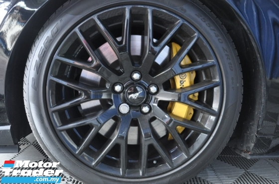2017 FORD MUSTANG 5.0 GT 11k-Mil Shelby GT350R B/K